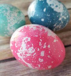 DIY Marbled Easter eggs with oil and food coloring // Márványozott húsvéti tojás étolajjal és ételfestékkel (tojásfestés) // Mindy - craft tutorial collection