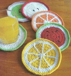 Crochet Potholder Patterns, Crochet Coaster Pattern, Crochet Fruit, Crochet Ball, Crochet For Kids, Free Crochet, Knit Crochet, Crochet Triangle, Spring Crafts