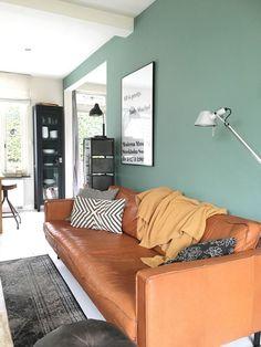 "Putting The ""Living"" Into Your Living Room Furniture Retro Living Rooms, Interior Design Living Room, Living Room Designs, Living Spaces, Living Room Furniture, Living Room Decor, Bedroom Decor, Bedroom Office, Sofa Cognac"