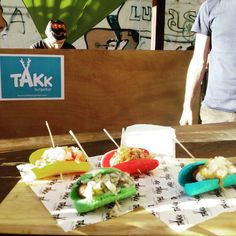 Mmmm, hamburguesas de colores en @takkburgerbar en el Food Truck Tour de @plateselector, el fin de semana en @lasarmaszaragoza  #zaragozaguia #zaragoza #zgz #regalazaragoza #zaragozapaseando #zaragozaturismo #zaragozadestino #miziudad #zaragozeando #mantisgram #magicaragon #loves_zaragoza #loves_aragon #igerszaragoza #igerszgz #igersaragon #instazgz #instamaños #instazaragoza #zaragozamola