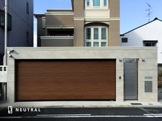 門一体化シャッターゲート施工例。 Garage House, House Front, Garage Door Design, Garage Doors, Front Gates, Apartment Renovation, Pool Houses, Villa, Shutters