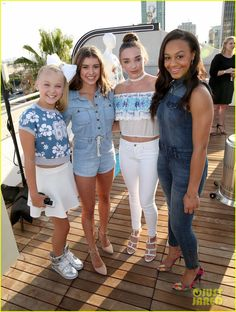 Kalani's outfit is my favorite,then Kendall's, then JoJo's, then Nia's Comment ur favorite girls outfit!