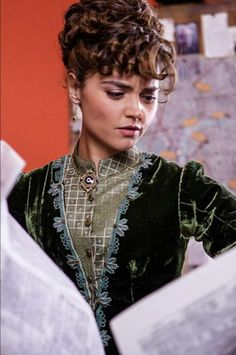 doctor who clara green victorian dress deep breath - Google Search