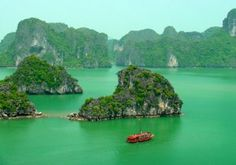 Halong Bay new Seven Wonders of the World - Veitnam