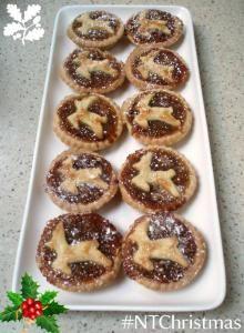 http://charlecoteparknt.wordpress.com/2013/12/05/recipe-charlecotes-christmas-treacle-tarts/