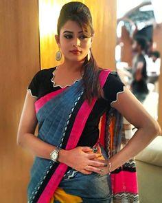200 Latest Indian Saree Blouse Designs Patterns Back & Front Neck - purplemoon Simple Blouse Designs, Stylish Blouse Design, Fancy Blouse Designs, Blouse Neck Designs, Sleeve Designs, Designer Blouse Patterns, Design Patterns, Dress Patterns, Women's Fashion