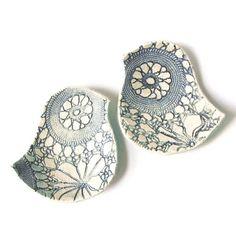 bird dish, lace crochet texture