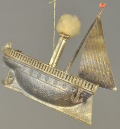 Lot # : 1461 - * SILVER DRESDEN STEAMBOAT ORNAMENT