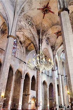 Interior de l'Esglèsia de Santa Maria del Mar, El Born, Barcelona #Catalunya