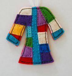 """C"" is for Crafty: Felt Jesse Tree Ornaments - My FAVORITE list and ornaments of all the sites I have seen!  Wish I had found this one first!"