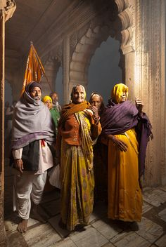 pilgrim family « ANDRÉ WAGNER  Series: reflections of india www.andre-wagner.com
