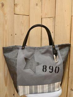 a4b11d2d88 Sac à main femme cabas motif étoile, numéro et lettres étoile en toile  grise tissu rayé gris simili cuir pailleté anthracite