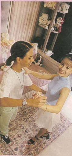 SANDY E JU Sandy E Junior, Mariah Carey, Thalia, Demi Lovato, Nova, Idol, Children, Painting, 30 Years