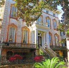 The Noble Hardee Mansion - Alex Raskins Antiques • Savannah, GA ......top 8 places to take pictures