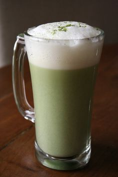 Learn how to make a matcha green tea latte at home