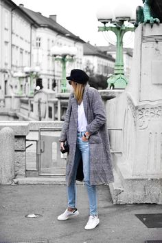Checked coat outfit - Katiquette