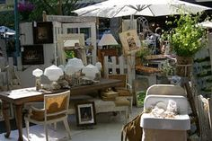 outdoor vintage market booth display - Retreat
