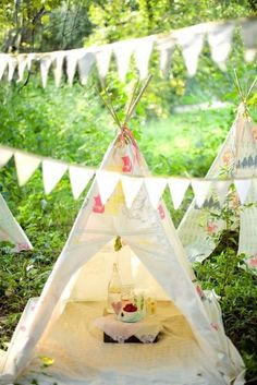 This would be so fun for the kids... I might have to make mine not so girly though with my two boys!