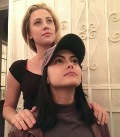 Uploaded by Find images and videos about riverdale, lili reinhart and betty cooper on We Heart It - the app to get lost in what you love. Image in riverdale collection by on We Heart It Riverdale Funny, Riverdale Memes, Riverdale Cast, Riverdale Betty, Betty Cooper, Vanessa Morgan, Archie Comics, The Cw, Camila Mendes Riverdale