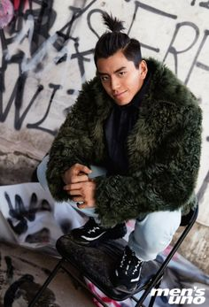 Falling In Love With Him, I Fall In Love, Darren Wang, Japanese Men, Actor Model, Asian Boys, Hairstyles Haircuts, Future Husband, Winter Jackets