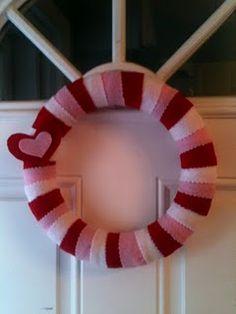 Cute felt vday wreath.