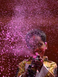 INDIA: Holi - The Festival of Colours  #EnjoySomrus Somrus.com