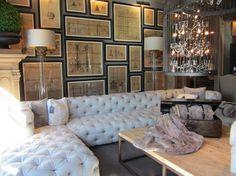 bilder-wohnzimmer-mdoern-bilderwand-weisse-couch