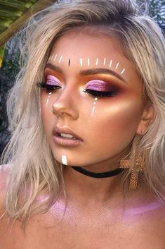 These Coachella makeup ideas will become your source of inspiration! Enjoy your favorite music at Coachella and be the brightest girl in the crowd! #makeupideas #coachella #festivalmakeup