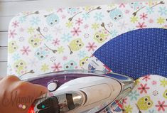 Eu Amo Artesanato: Guirlanda passo a passo Easy Felt Crafts, Baby Shark, Baby Shower, Handmade, Handmade Cushions, Diy Christmas Wreaths, Handmade Dolls, Felt Decorations, Felt Dolls