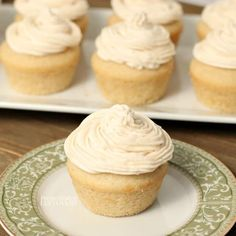 Decorating Icing Recipe, Icing Recipe For Cake, White Frosting Recipes, Homemade Frosting Recipes, Chocolate Frosting Recipes, Icing Recipes, Decorating Cakes, Cake Icing, Crisco Frosting