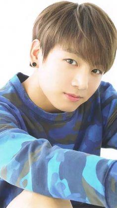 Look at this cutie! Foto Jungkook, Bts Taehyung, Foto Bts, Bts Photo, Namjoon, Maknae Of Bts, Jungkook Oppa, Bts Bangtan Boy, Bts Boys