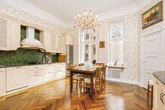 Kohteen kuva Helsinki, Osaka, Kitchen Island, Houses, Interiors, Home Decor, Island Kitchen, Homes, Decoration Home