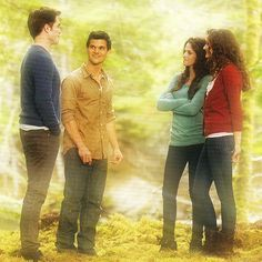 Edward, Jacob, Bella and Renesmee (as an adult) in Alice's vision. WAIT WHAT?????????????