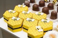 Bumble Bee Hive Favor boxes set of 4 by FestivaPartyDesign on Etsy