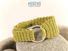 Häkelschmuck, cochet jewelry, gehäkeltes Armband / Armschmuck /  grün Edelstahl Ring...