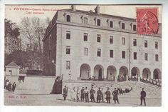 POITIERS - Caserne Saint Catherine - Cour intérieure