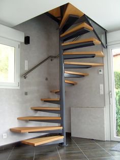 home stairs design ideas can attract the eyes. Choose between an art gallery, unique runner, and vintage design for your stairs. Small Staircase, Loft Staircase, House Stairs, Spiral Staircase, Staircase Ideas, Staircase Decoration, Staircases, Home Stairs Design, Interior Stairs
