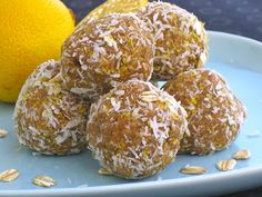 Lemon-Kissed Blondie Bites (sugar-free, soy-free, gluten-free option) Recipe from the fabulous Dreena Burton. So excited to make these. I love lemon! Vegan Treats, Vegan Snacks, Healthy Treats, Vegan Food, Vegan Raw, Healthy Foods, Desert Recipes, Raw Food Recipes, Cooking Recipes