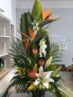 Contemporary Flower Arrangements, Creative Flower Arrangements, Tropical Floral Arrangements, Church Flower Arrangements, Beautiful Flower Arrangements, Unique Flowers, Exotic Flowers, Tropical Flowers, White Flowers
