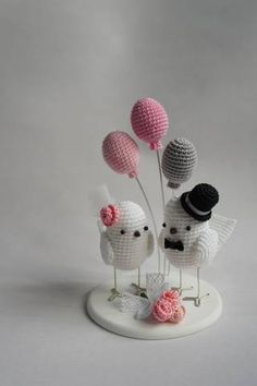 Pin on Casamento: Topos Bolo / Wedding: Cake toppers Pin on Casamento: Topos Bolo / Wedding: Cake toppers Cute Crochet, Crochet Crafts, Crochet Projects, Crochet Patterns Amigurumi, Crochet Dolls, Crochet Wedding Dress Pattern, Handmade Soft Toys, Creation Crafts, Soft Dolls
