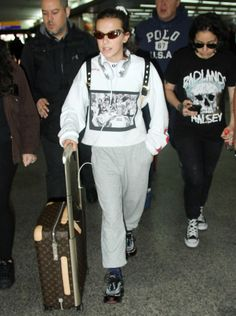 Millie Bobby Brown - Guarulhos International Airport in Sao Paulo 09/02/2017 | Celebrity Uncensored! Read more: http://celxxx.com/2017/09/millie-bobby-brown-guarulhos-international-airport-in-sao-paulo-09022017/