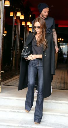 It Girl Fashion Rules to Live By victoria beckham dark outfit Victoria Beckham Outfits, David And Victoria Beckham, Victoria Beckham Style, Victoria Beckham Fashion, Mode Outfits, Fall Outfits, Casual Outfits, Mode Masculine, Girl Fashion