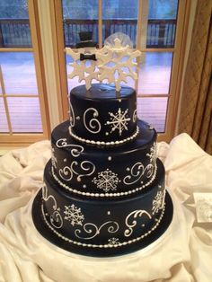 59 Romantic Winter Wedding Cakes Ideas with Snowflakes - VIs-Wed - Wedding Ideen Wedding Vow Art, Wedding Themes, Trendy Wedding, Diy Wedding, Dream Wedding, Wedding Ideas, Wedding Blue, Wedding Advice, Wedding Stuff