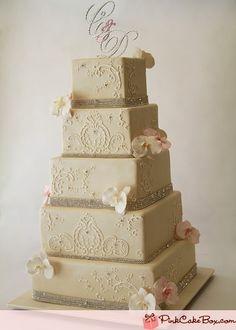 Ivory wedding cake by Pink Cake Box.