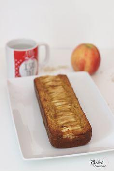 Apple and oatmeal cake Rachel cuisine Low Calorie Breakfast, Egg Recipes For Breakfast, Ww Desserts, Vegan Dessert Recipes, Strawberry Breakfast, Breakfast Fruit, Oatmeal Cake, Cake Factory, Low Carb Recipes