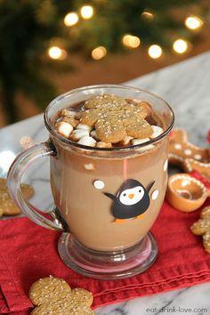 Une bonne tasse de #chocolat chaud avec des #gâteaux aux épices - Merry #Christmas
