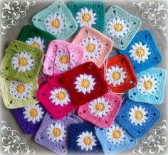 Lovely daisy squares by Zooty Owl, via Facebook, tutorial here: http://zootyowlcards.blogspot.nl/2014/01/crochet-mood-blanket-2014-my-square.html?m=1 The daisies require an extra row of dc // I so wanna make this! <3