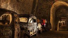 Galleria Borbonica - Rede de túneis sob as ruas de Nápoles era usada para guardar carros contrabandeados, nos anos 30