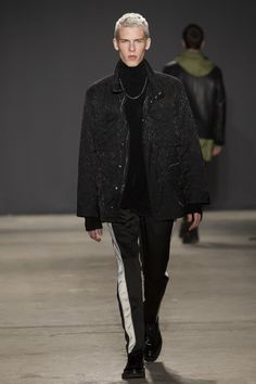 Ariel and Shimon Ovadia unveiled their Fall/Winter 2017 collection during New York Fashion Week Men's. Fashion Show Collection, Men's Collection, Winter Collection, Vogue Paris, Winter 2017, Fall Winter, Autumn, Mens Highlights, High Fashion