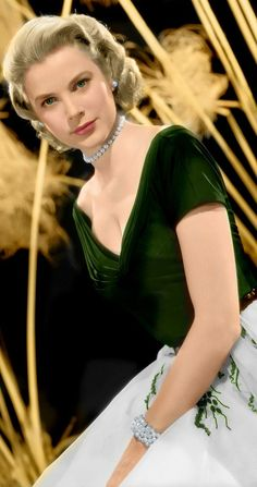Grace Kelly: La princesa que odió a Hollywood Moda Grace Kelly, Grace Kelly Style, Grace Kelly Dresses, Vintage Hollywood, Hollywood Glamour, Classic Hollywood, Elegant Woman, Princesa Grace Kelly, Monaco As